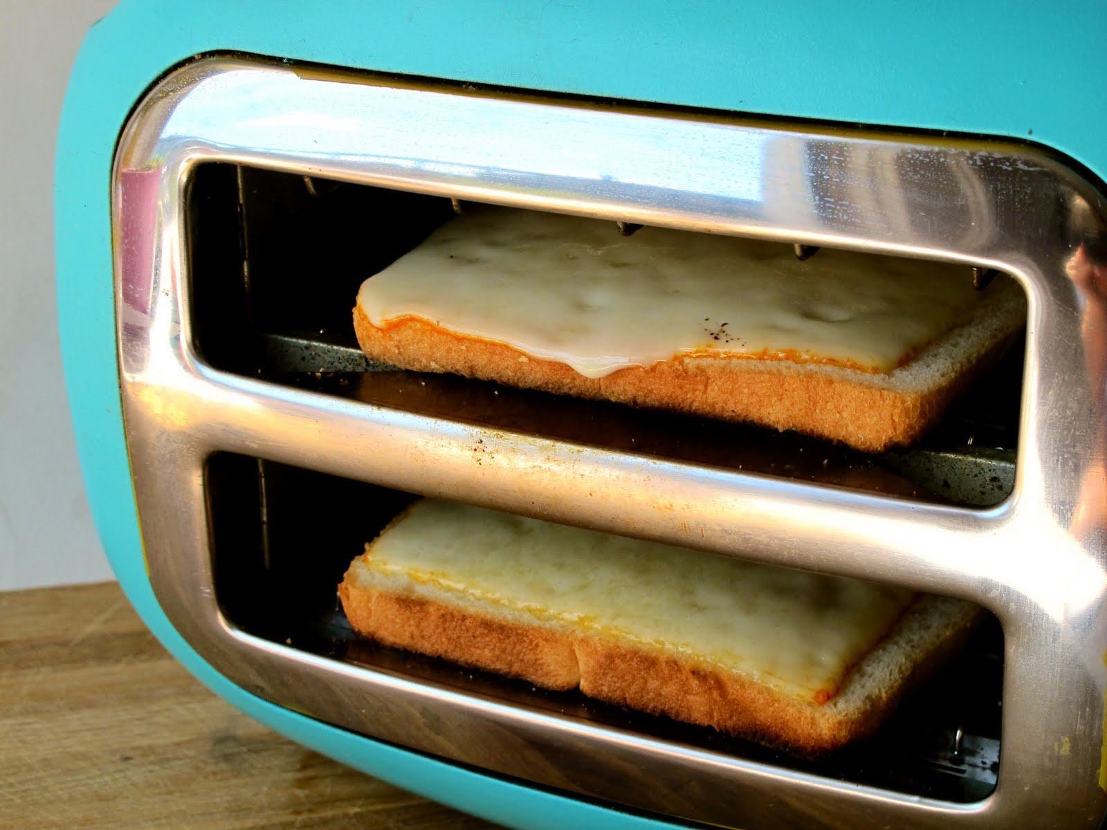 how to make a grilled cheese in a toaster