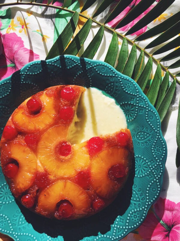Pineapple Upside-Down Baked Brie - the perfect retro tiki appetizer full of delicious cheese!