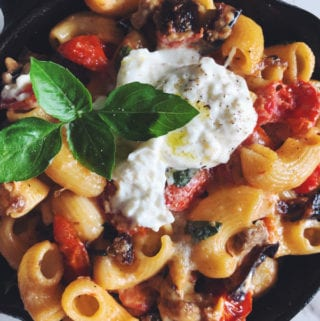 Baked Burrata Pasta in a cast iron skillet