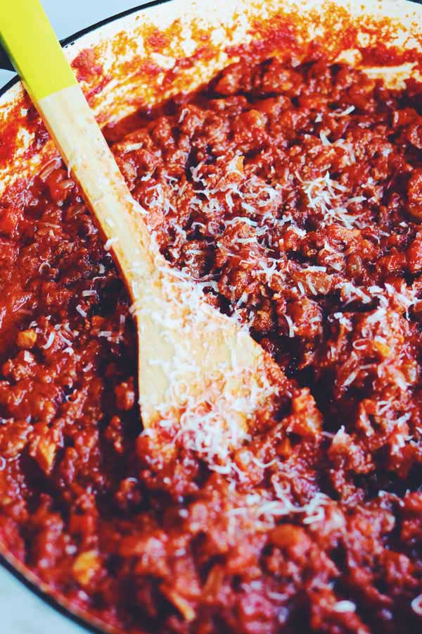 how to make hearty italian red sauce