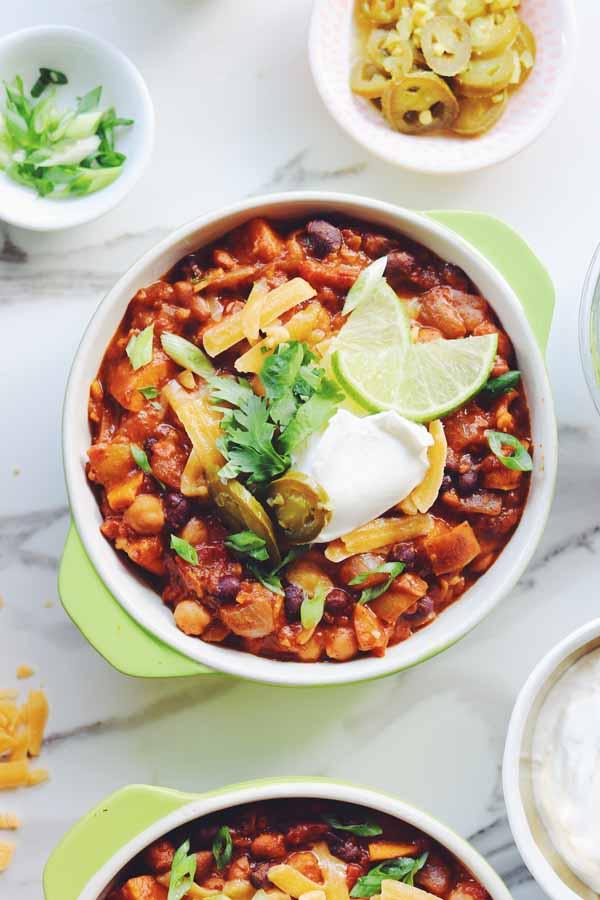 cheesy sweet potato black bean chili