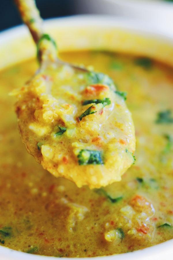 curried coconut cauliflower soup