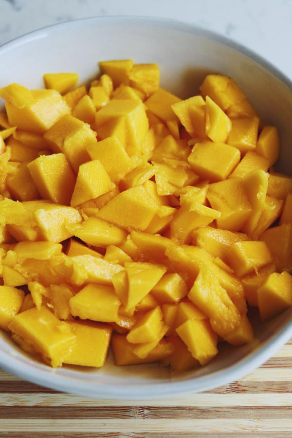 how to pick the perfect mango