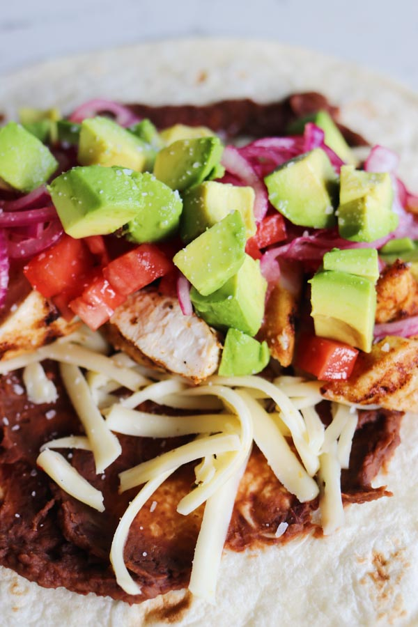 how to make a grilled chicken burrito